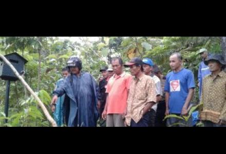 SOSIALISASI PEMASANGAN EARLY WARNING SYSTEM TANAH