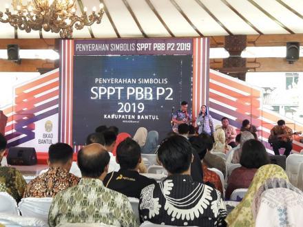 Penyerahan simbolis SPPT PBB P2 thn 2019 oleh Bupati Bantul