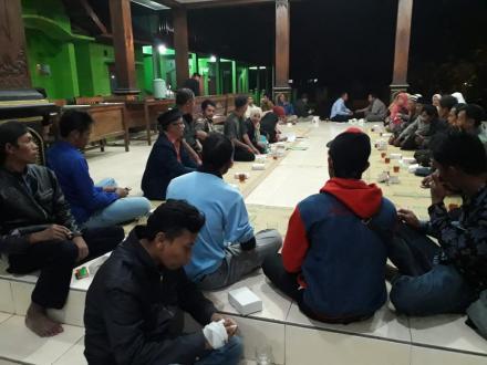 Pertemuan Rutin Linmas Desa Terong Bulan April 2019