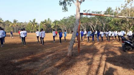 Latihan Perdana Paskibraka di Lapangan Terong