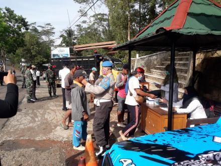 Operasi Yustisi oleh Pemerintah Desa Terong beserta Forkompimcam Kecamatan Dlingo