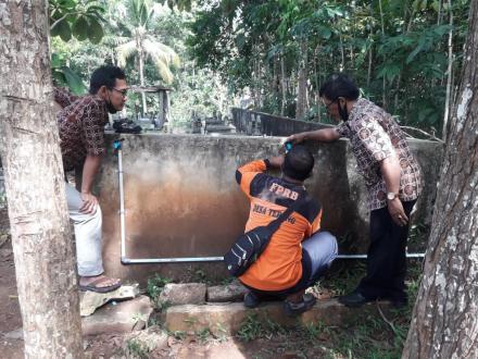Pipanisasi Untuk Air Bersih di Makam Terong