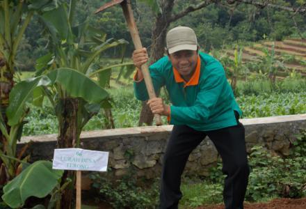 acara menanam bersama taruna indonesia